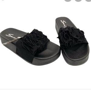 SEVEN 7 - NWT Didi Ruffle Sandal